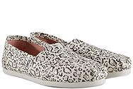 Toms Classic Natural Bobcat With Gold Foil 10009715